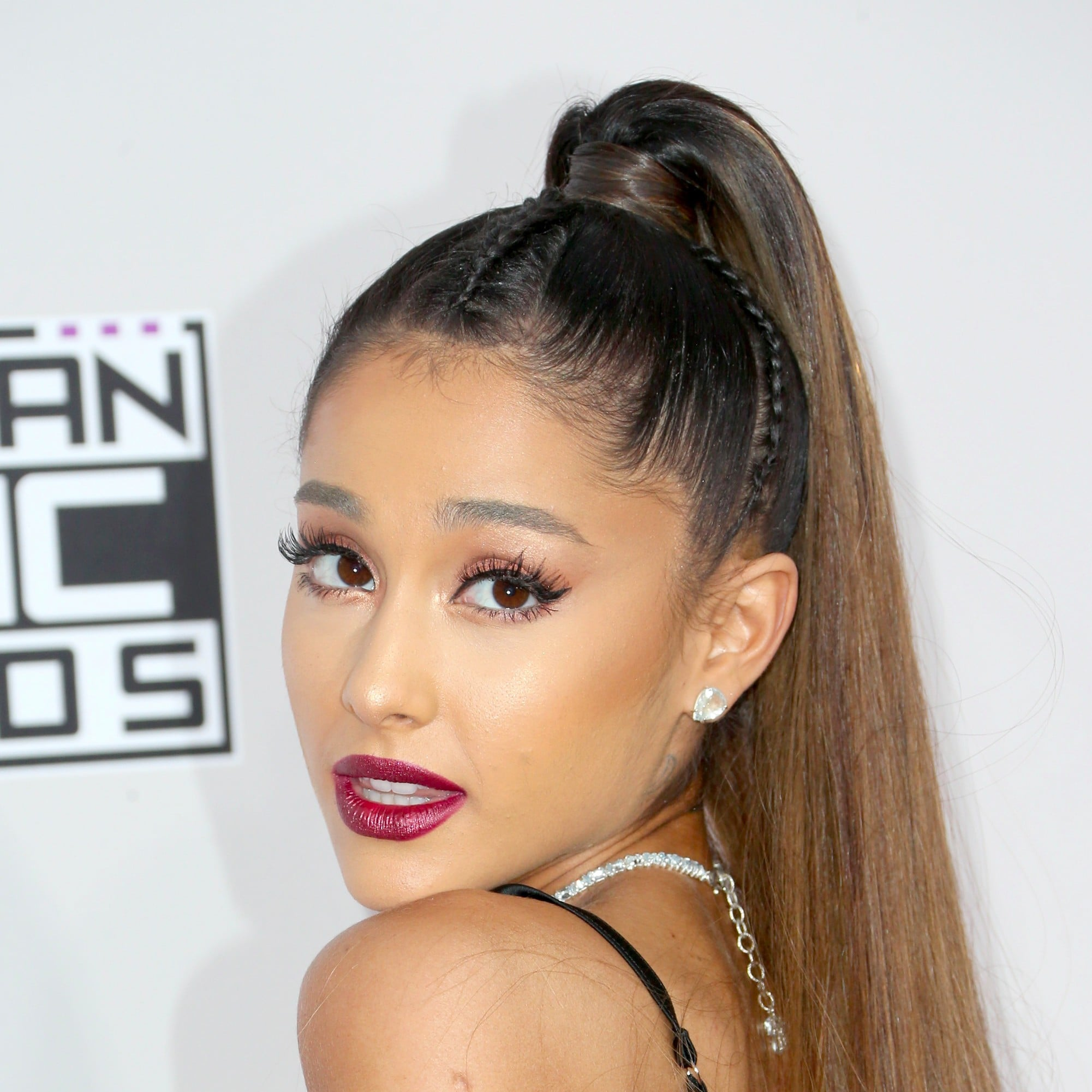 Stunning Beauty Looks From The AMAs You'll Want To Steal foto