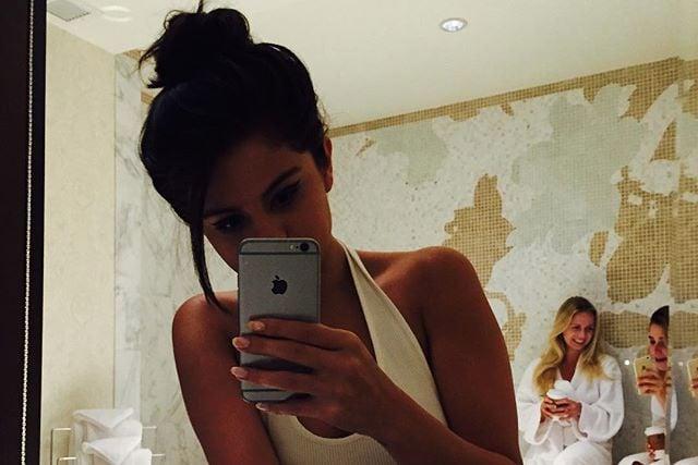 Selena's Bathroom Selfie