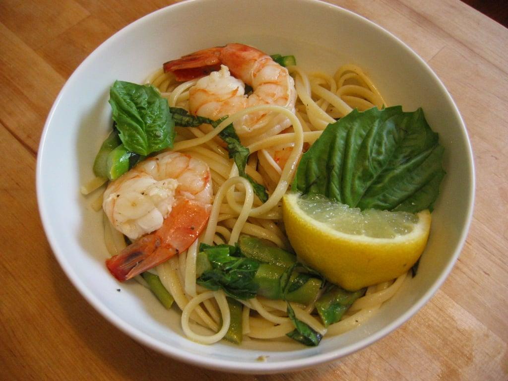 Linguine With Shrimp, Asparagus, & Basil