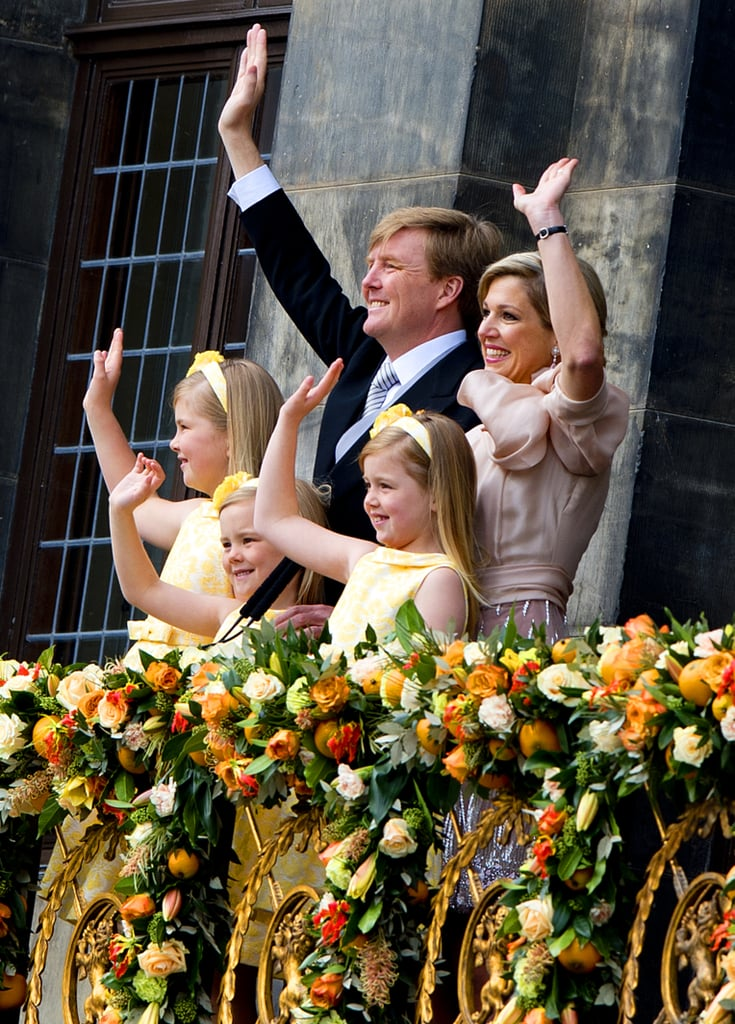 The Dutch royal family waved during the inauguration.