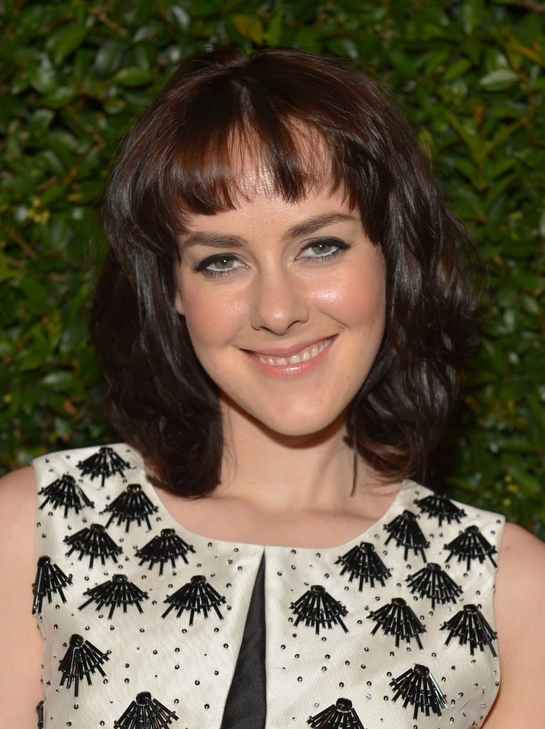 Actress Jena Malone opted for a winged cat eye and tons of texture in her trendy lob.
