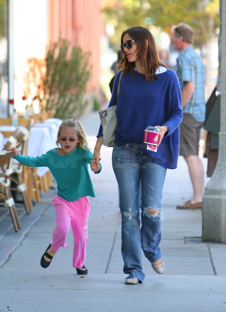 Jennifer Garner and Violet Affleck Have an After-School Ice Cream Treat