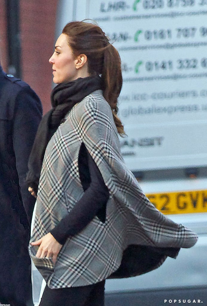 Kate Middleton showed her bump for the first time.  Source: Topstar Pictures