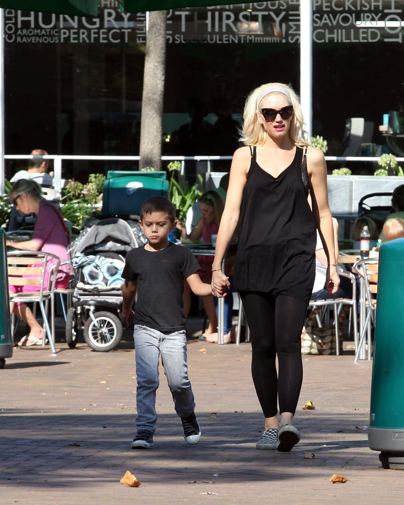 Gwen Stefani with Kingston at the zoo in London.