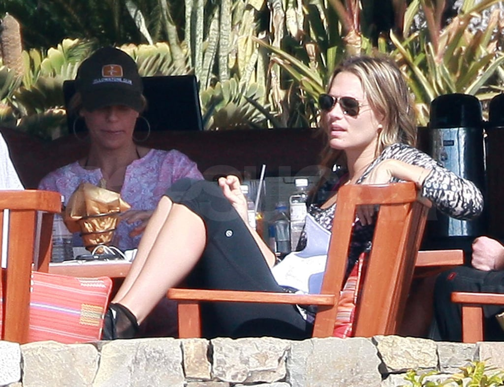 Pictures of Molly Sims in Bikini on Vacation in Mexico