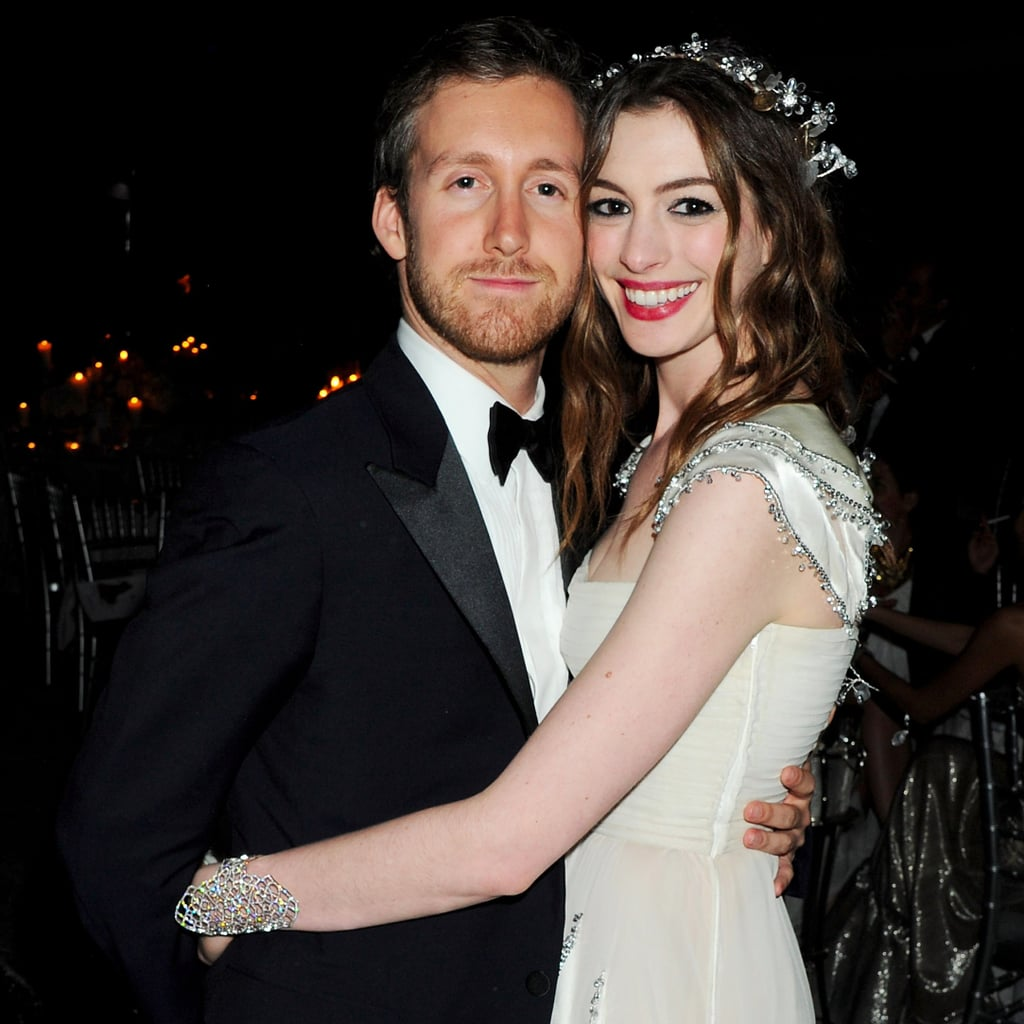 Anne Hathaway Engaged Celebrity Save The Dateanne: Anne Hathaway And Adam Shulman Cute Pictures