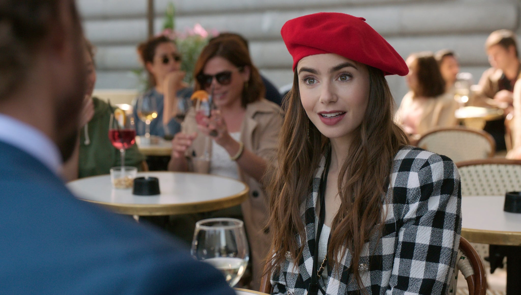 EMILY IN PARIS, Lily Collins, (Season 1, ep. 103, aired Oct. 2, 2020). photo: Netflix / Courtesy Everett Collection