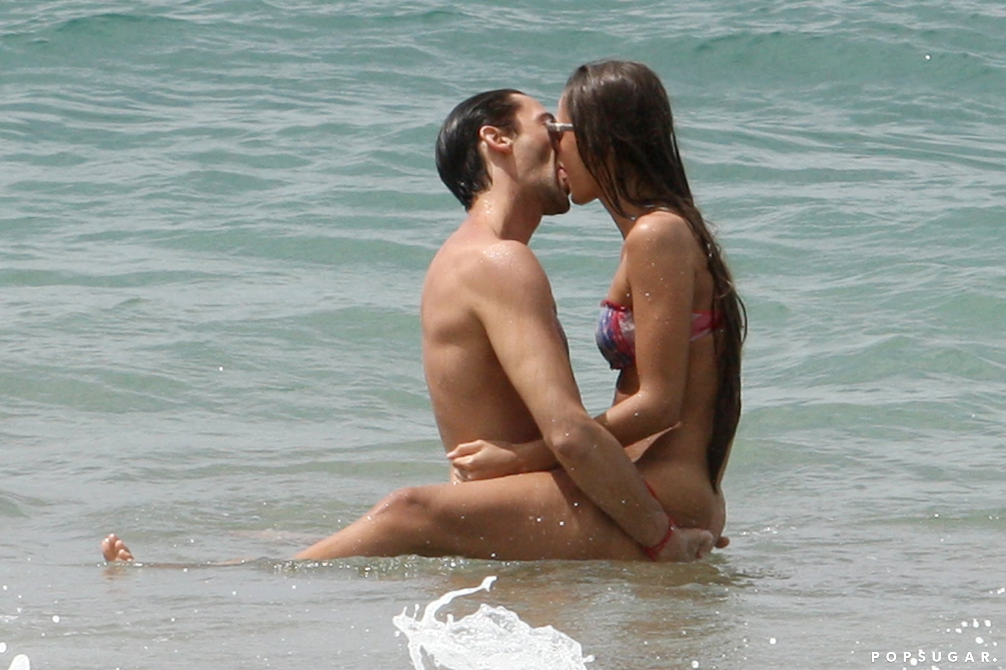 Things got hot and heavy for Adrien Brody and his girlfriend during a March 2013 trip to Hawaii.