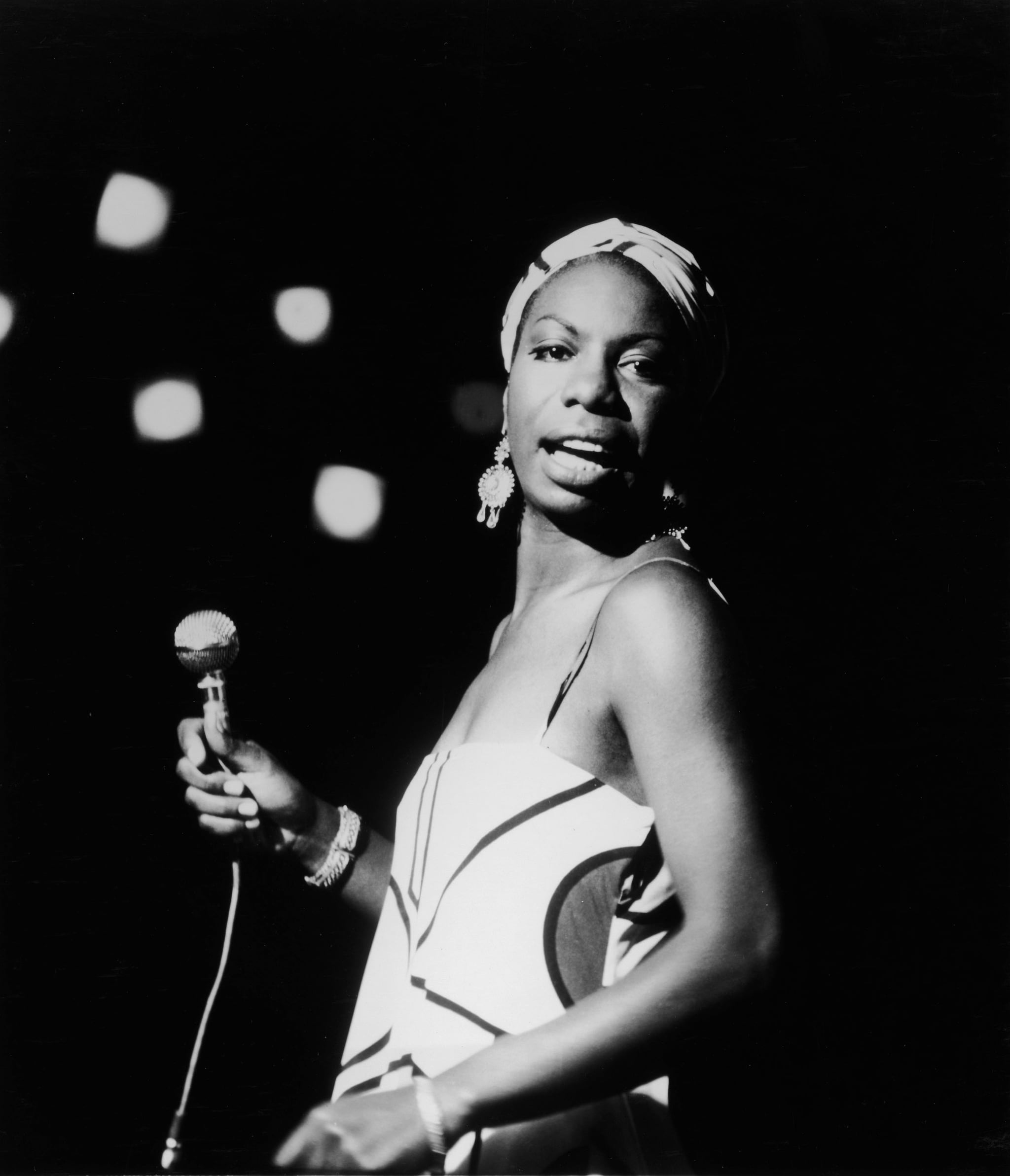 Googlier nuclear search date 20180221 nina simone performing in 1964 image source getty hulton archive fandeluxe Image collections
