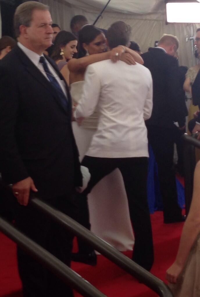 Stealing kisses inside the Met Gala press room in 2014. Source: Twitter user metmuseum