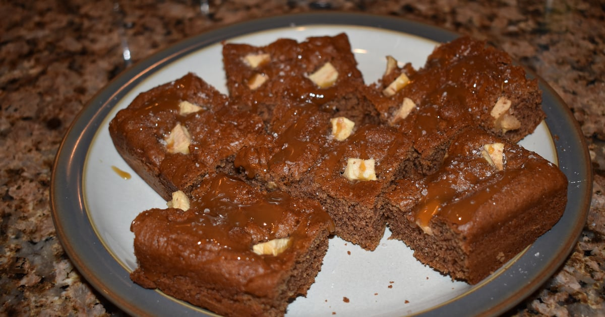 Salted Caramel Blondies That Are Kind of Healthy and Taste Like Cookie Dough? Move, I'm Baking