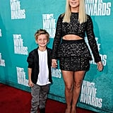 Julianne Hough posed with her little friend at the MTV Movie Awards.