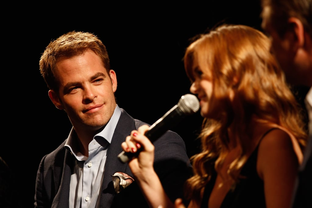Isla Fisher took the mic to answer a question.