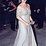 Meryl wore a crystal embroidered silver gown to the 1999 Vanity Fair Oscar Party.