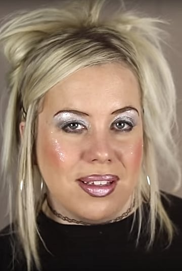 If Beauty Gurus Existed in the '90s Viral Video
