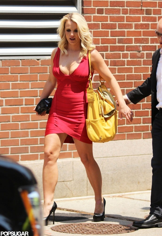 Britney-Spears-wore-tight-red-dress.jpg