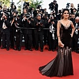 Salma Hayek posed on the red carpet at the premiere of Madagascar 3: Europe's Most Wanted.