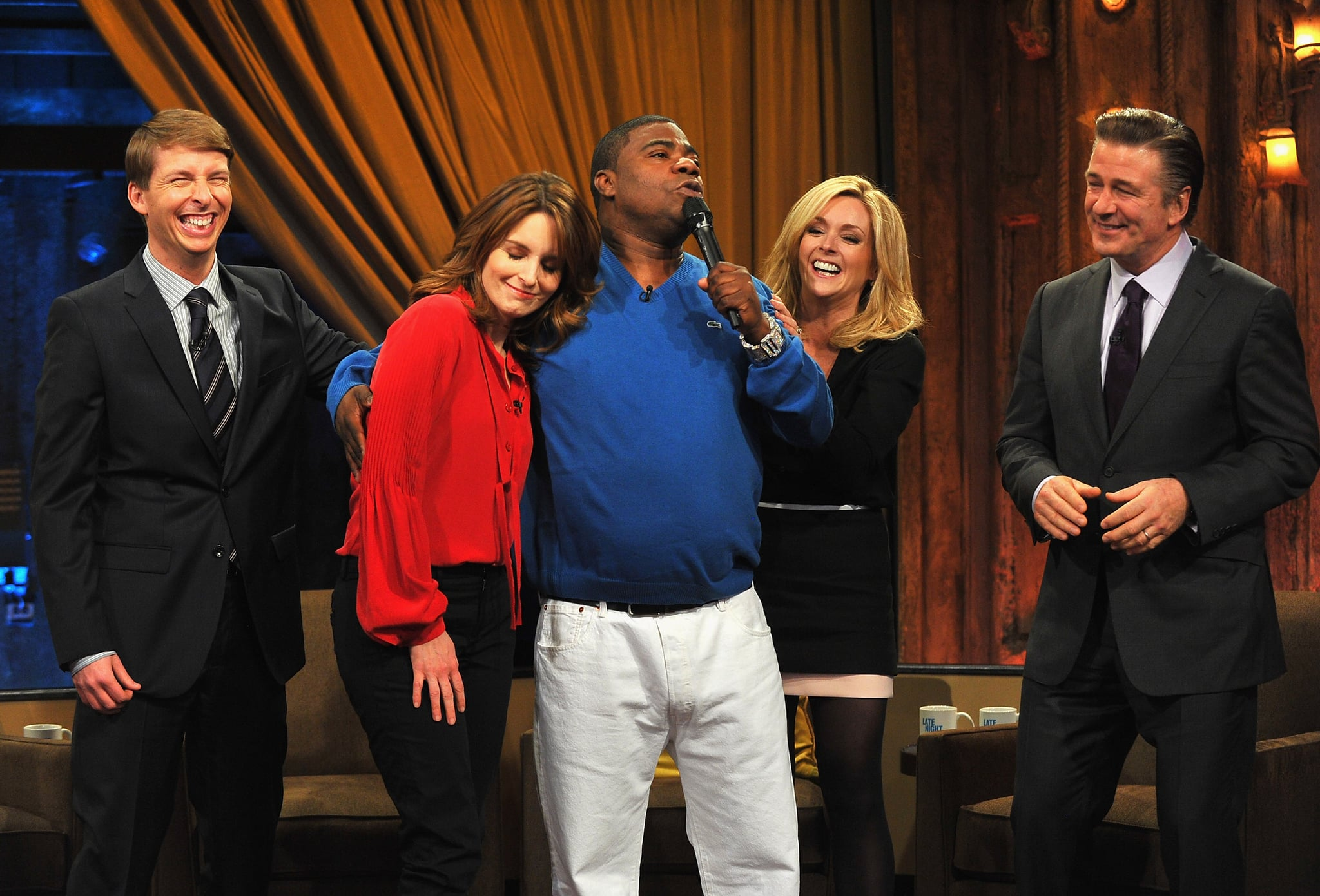 NEW YORK, NY - JANUARY 10:  Jack McBrayer, Tina Fey, Tracy Morgan, Jane Krakowski and Alec Baldwin visit