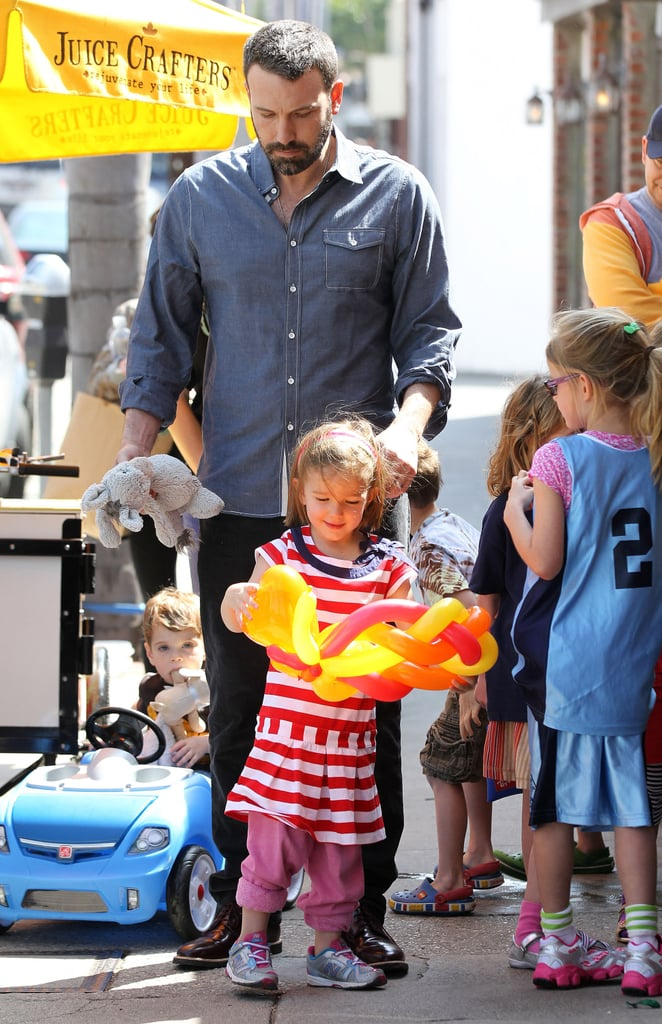 Ben Affleck took his two oldest children, Seraphina and Violet, to a food stand on Saturday in LA.