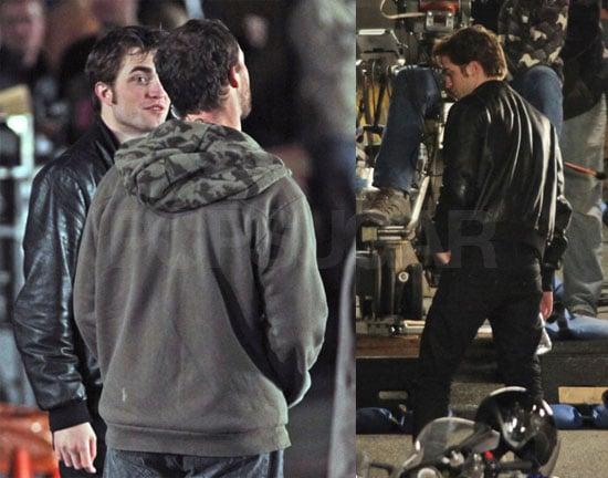 Photos of Robert Pattinson and Kristen Stewart On Set of New Moon