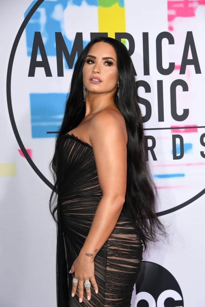 Demi Lovato S Long Hair At The 2017 Amas Demi Lovato