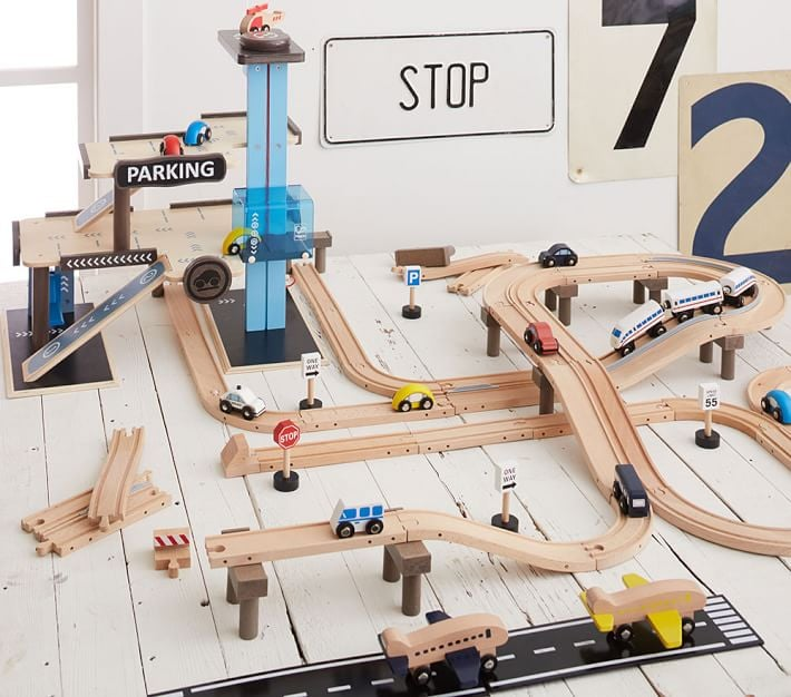 For 5-Year-Olds: Wooden Play City Train Track Set