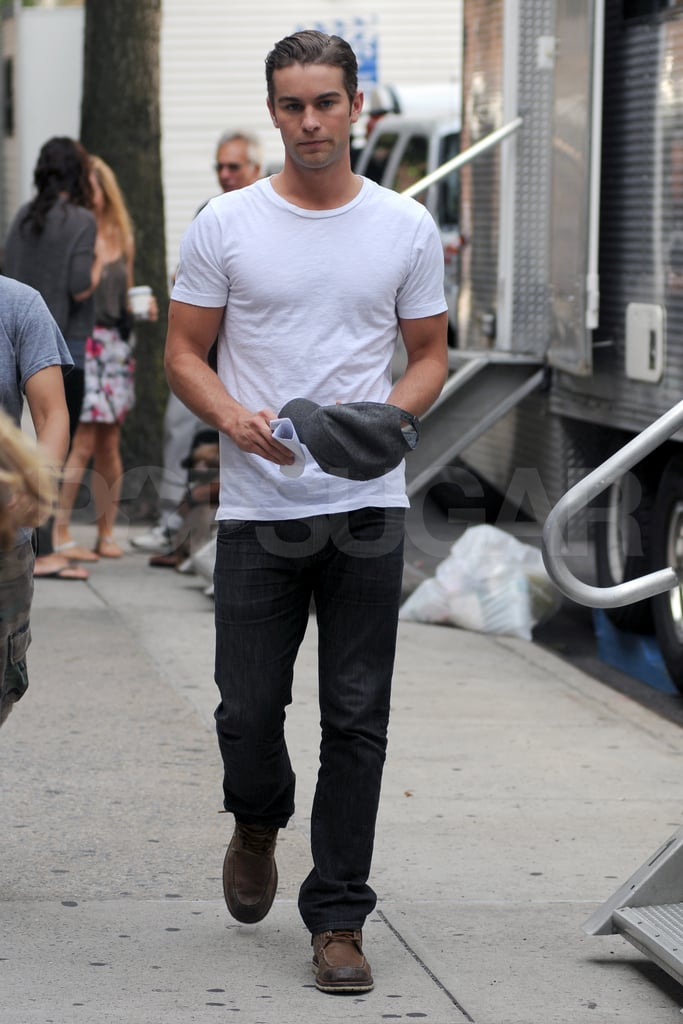 Chace Crawford in a tight shirt on the Gossip Girl set.