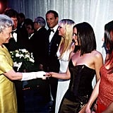 الملكة، وإيما بونتون، وفيكتوريا بيكهام ، وميلاني سي