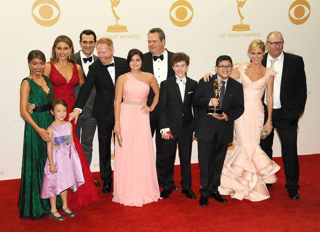Modern Family (TV Series 2009– ) - Cast & Crew - IMDb