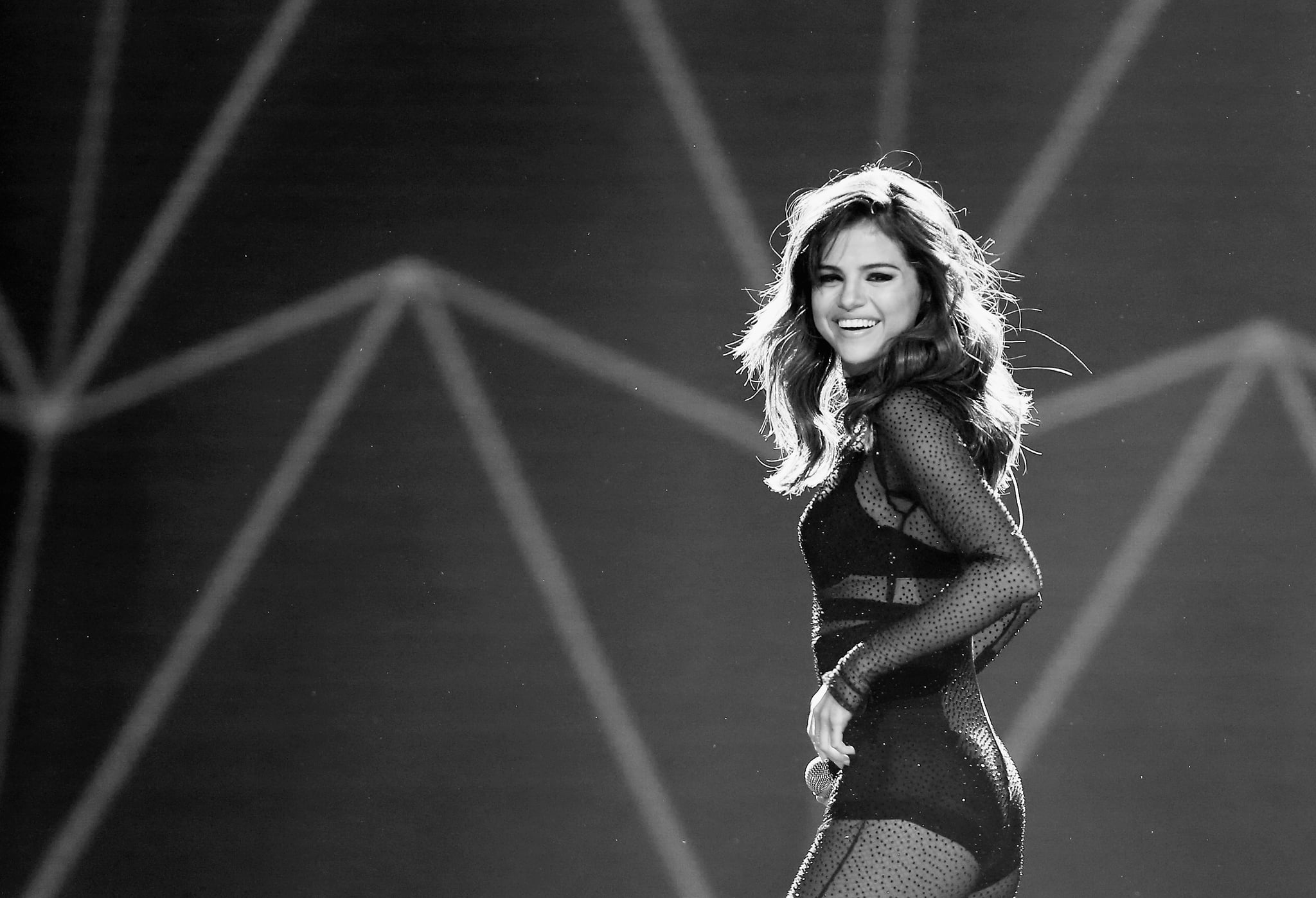 Best Pictures Of Selena Gomez On The Revival Tour Popsugar Latina