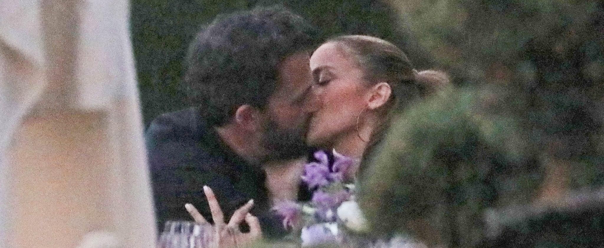 Jennifer Lopez and Ben Affleck Kissing in Malibu   Pictures
