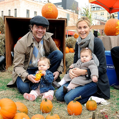 Matthew Settle(Rufus) and Kelly Rutherford(Lily) at the pumpkin patch with their little Gossip Girls