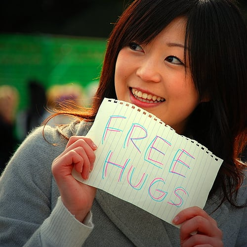 Human-Like Hugs For Online Conversations