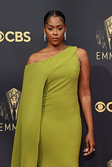 See Moses Ingram's Chain Ponytail Hairstyle at 2021 Emmys