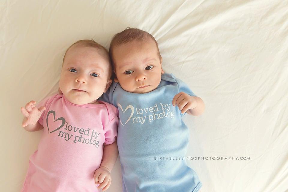 birth photos of dad delivering twins in tub popsugar moms photo 22. Black Bedroom Furniture Sets. Home Design Ideas