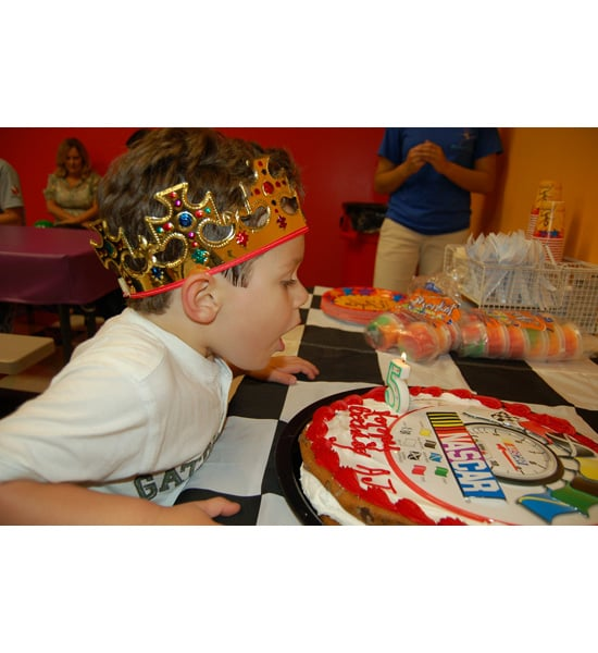 Share Photos of Your Child's Fifth Birthday Cake!