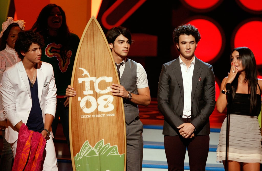 The Jonas Brothers Accepting an Award From Vanessa Hudgens at the Teen Choice Awards in 2008