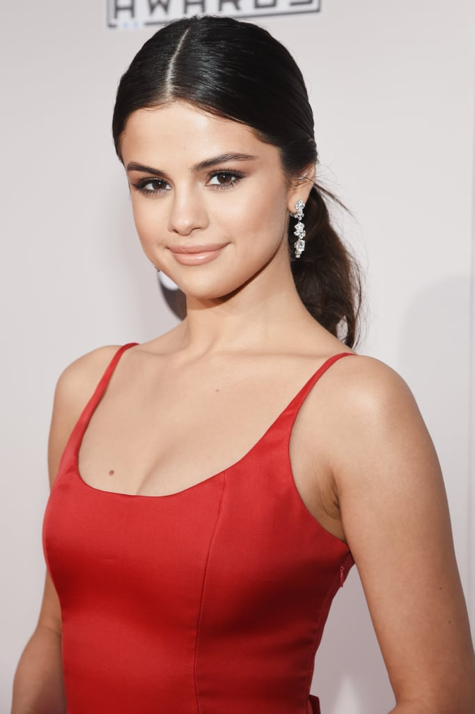 Selena Gomez Red Dress at American Music Awards 2016 | POPSUGAR ...