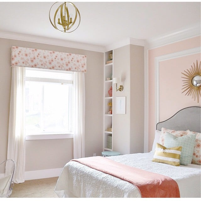 The find: the white bedding in this pastel and gold bedroom ...