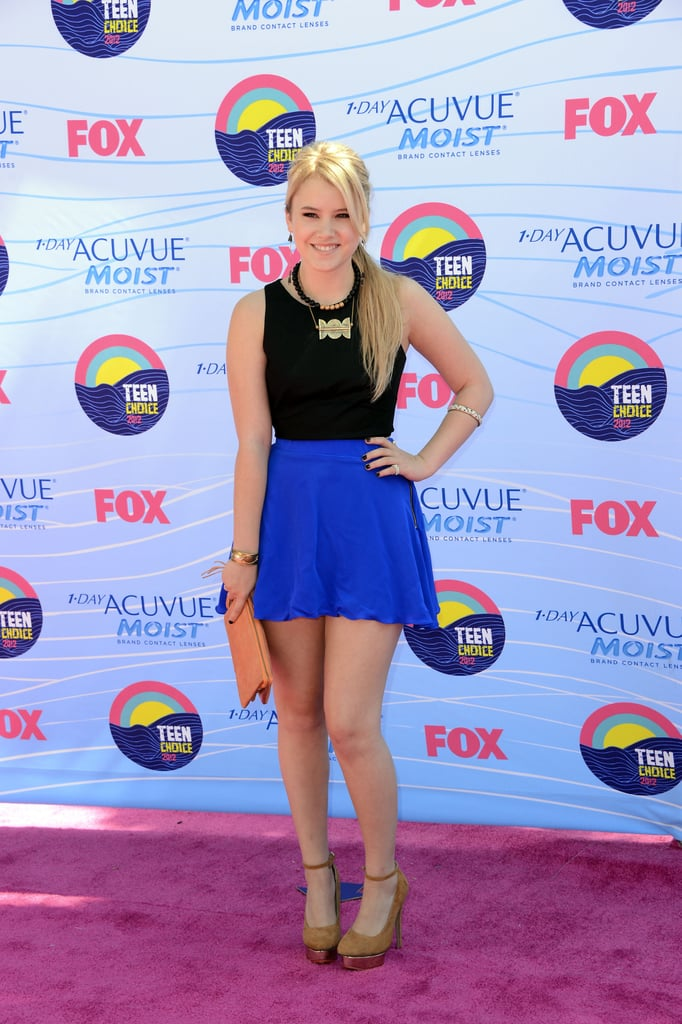 Taylor Spreitler wore a cobalt blue and black minidress paired with nude pumps and a statement necklace.
