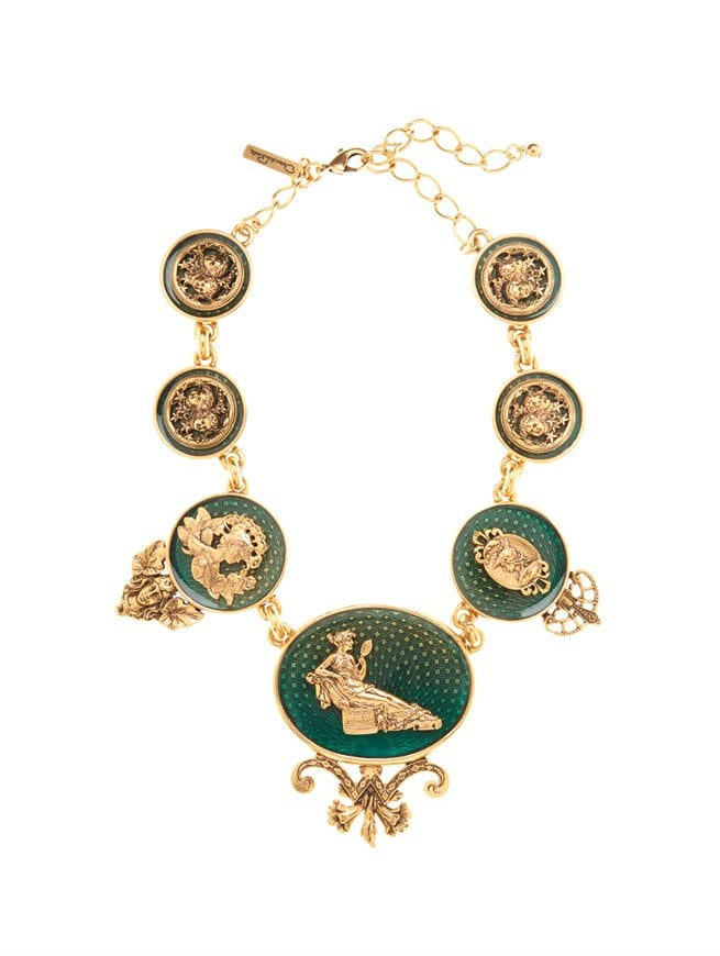 Oscar de la Renta's Fall 2013 collection is currently available for preorder, and one of my favorite pieces from it is this Toile Necklace ($890). It's definitely a statement piece, and it's a great way to add the look of the collection to your wardrobe without committing to a $13,990 gown.