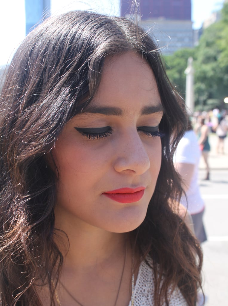 How this Lolla attendee managed to keep her makeup looking fresh in the Chicago heat we have no clue, but her brows, eyeliner, and lip are flawless.