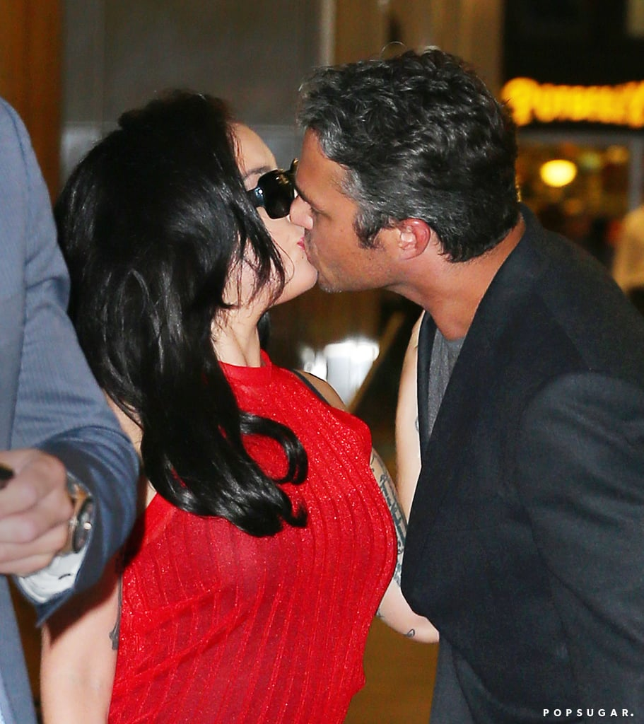 Lady Gaga and Taylor Kinney Kissing in NYC 2015 | Pictures