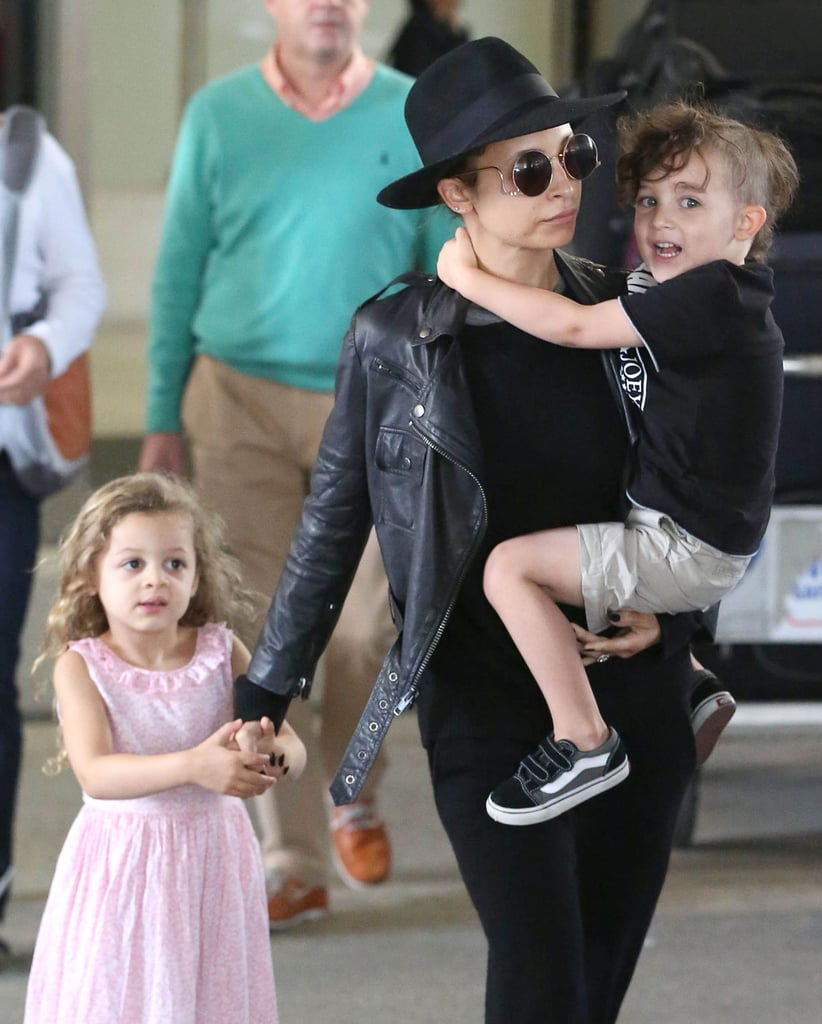 Nicole Richie and her little ones, Sparrow and Harlow, jetted out of LA on Friday.