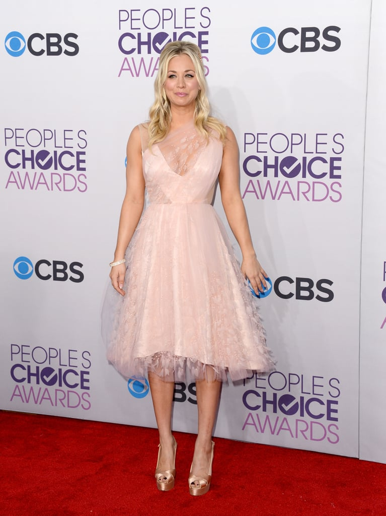 Kaley Cuoco arrived as host and a nominee for the People's Choice Awards.