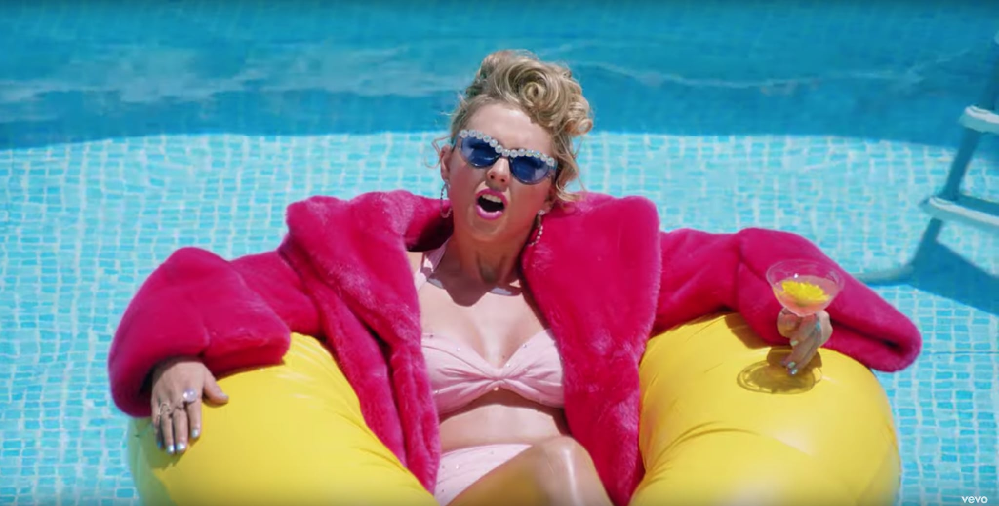 Taylor Swift Sunglasses In You Need To Calm Down Video Popsugar Fashion