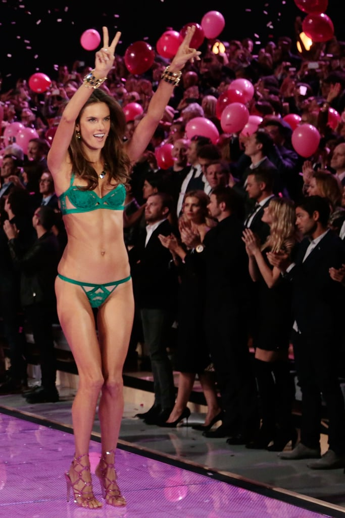 The Best Moments From the 2015 VS Fashion Show in GIFs