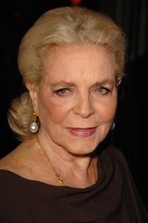 Link Time! Lauren Bacall Walks Away With an Honorary Oscar