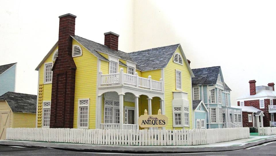 Gilmore Girls House gilmore girls, lorelai's house | paper creationsbruna salvador