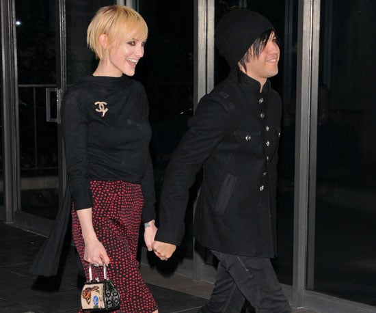 Slide Picture of Ashlee Simpson and Pete Wentz in LA